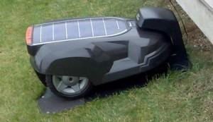 Masina de tuns iarba solara