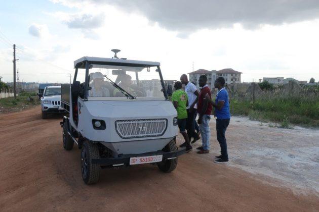 aCar pe un drum din Ghana